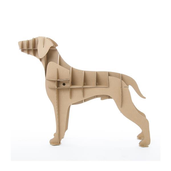 perro labrador de cartón