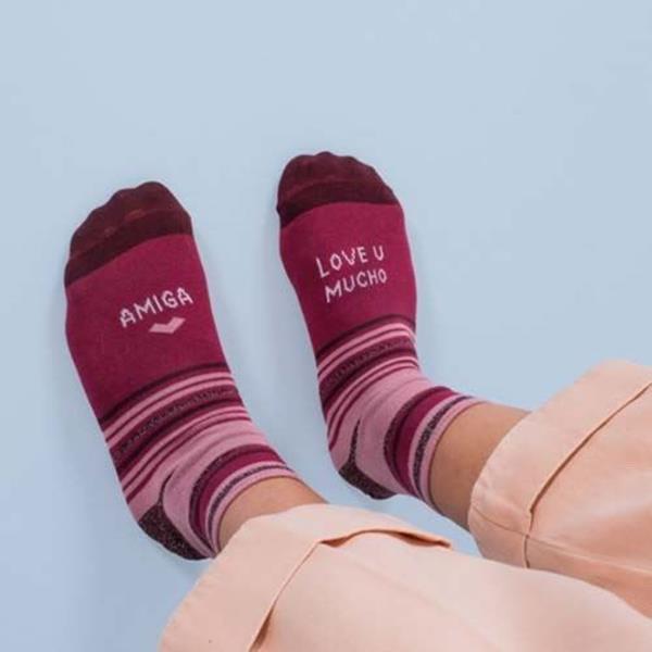 calcetines-amiga-love-u-mucho-1